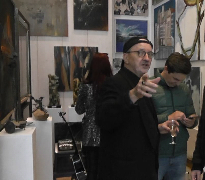 gallery representation - Pat Harrison